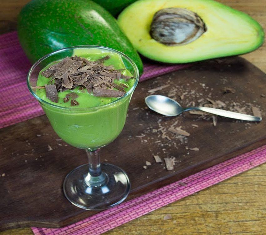 Mousse de Abacate com raspas de Chocolate