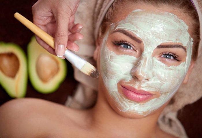 6 receitas caseiras de beleza com abacate